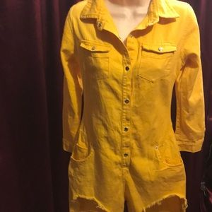 Pretty yellow jean romper style outfit small NW0T